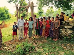 STT team members and village ladies ...