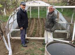 Vince with greenhouse mentor ... Sayran - Spitak, Armenia