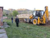 Vince w/ backhoe crew ... HoE - Spitak, Armenia